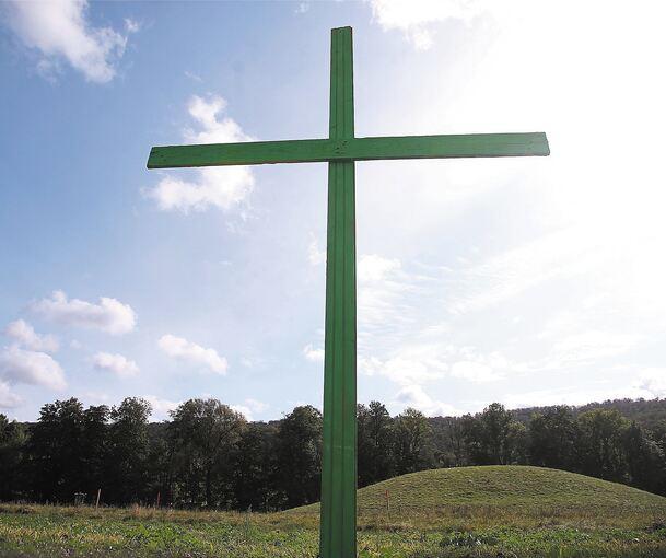 Grünes Kreuz Auf Feld